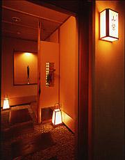 写真:坐忘 山紫 客室玄関