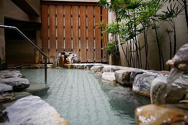 写真:源泉 露天風呂