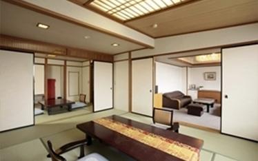 写真:本館:八階特別階「ゆけむり亭」(特別室の一例) | イメージ
