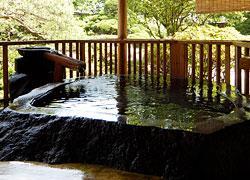 写真:露天げんこつ風呂