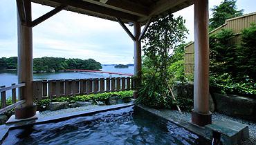 写真:天然温泉 露天風呂
