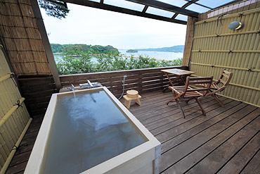 写真:露天風呂付き和室 露天風呂1