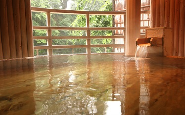 写真:樽型露天風呂