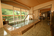 写真:⑦奥利根の風呂