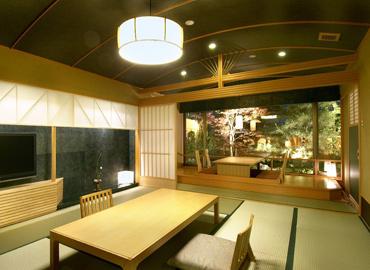 写真:別邸「美悠」椿・和室