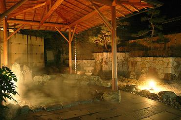 写真:殿方露天風呂「古城の湯」