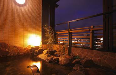 写真:静寂の離れ 源泉掛け流し半露天風呂付客室 【祥山】