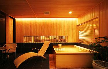 写真:スパ [温泉] リビング付客室 90平米