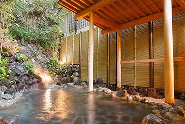 写真:露天風呂 「日光」 岩風呂