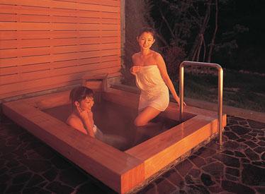 写真:個室露天:岩風呂