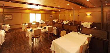 写真:レストラン八仙