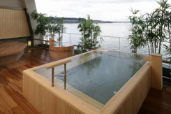 写真:絶景の露天風呂