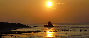 写真:朝焼けの海