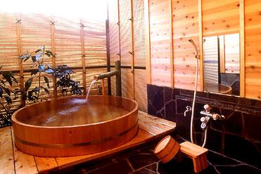 写真:貸切露天風呂 檜