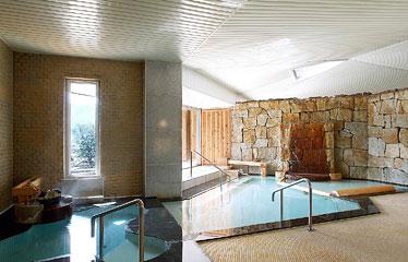 写真:大浴場 麻釜(おがま)