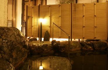 写真:岩風呂露天風呂