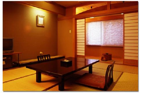 写真:檜風呂付客室