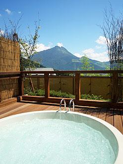 写真:ゆめの里 客室用露天風呂