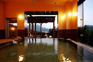 写真:大浴場・露天風呂 めぐみの湯(女湯)