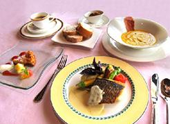 写真:日本料理「淙々亭」