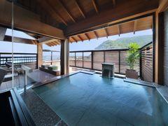写真:4F 庭園露天風呂付客室