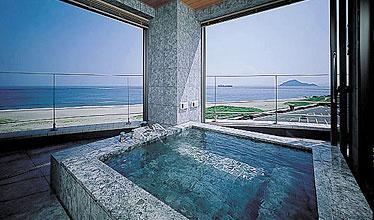 写真:客室露天風呂