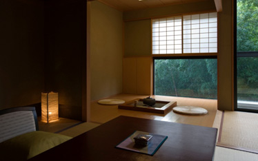 写真:囲炉裏付和室