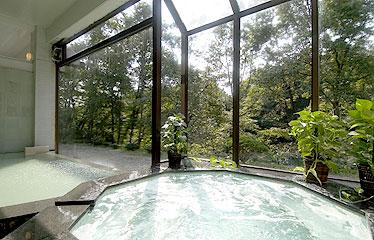 写真:大浴場「春秋の湯」