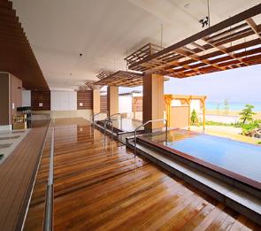 写真:大浴場「海の回廊」外湯