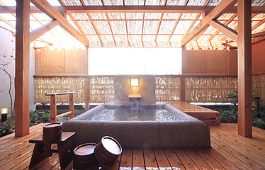写真:露天風呂付き客室