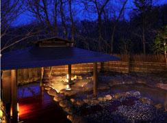 写真:男性大浴場「竹織の湯」 内湯・露天