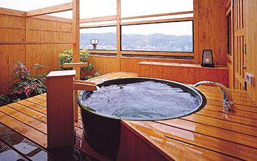 写真:飛翔の館信楽焼露天風呂