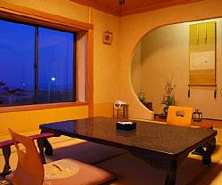 写真:竜宮波 古代檜風呂温泉付客室