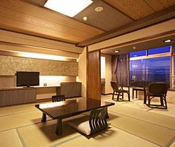 写真:谷川岳を一望の新和モダン「663」