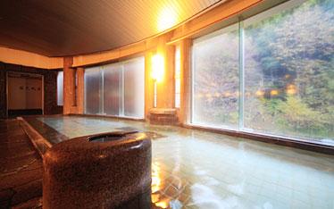 写真:大浴場「白樺の湯」