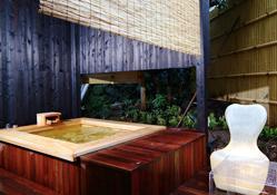写真:ベッドルーム付き和室:露天風呂