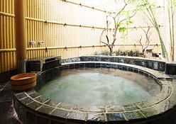 写真:二間和室:露天風呂