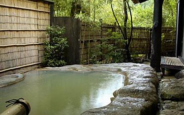 写真:部屋付露天風呂
