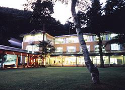 サニーデリゾート <湖畔別邸 千一景>:外観(ホテル本館)