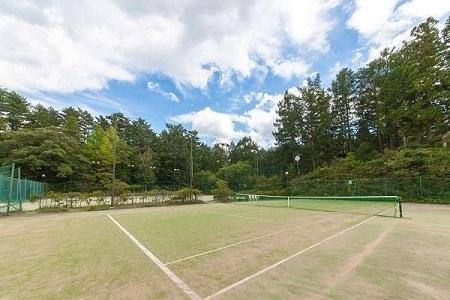 写真:屋外テニスコート