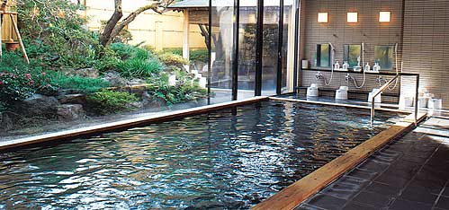 写真:温泉大浴場 健身湯