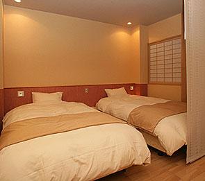 写真:別邸六花|半露天風呂付和洋室「きぶし」