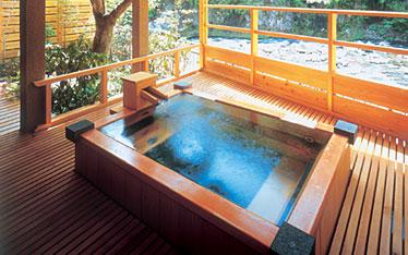 写真:本館 露天風呂付客室|露天風呂