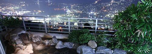 写真:梅松鶴 露天風呂