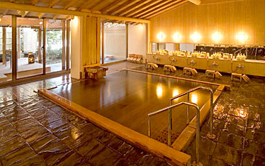 写真:大浴場|女湯:華湖の湯