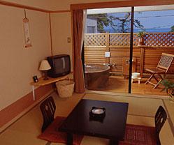 写真:露天風呂付和室(内湯+露天風呂)
