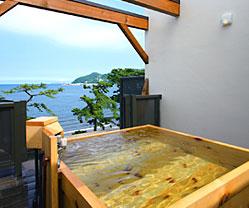 写真:展望貸切露天風呂|木曽ひのき「空」