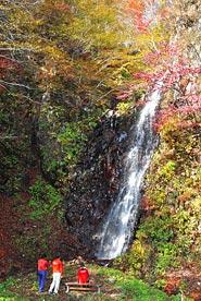 写真:幻の滝といわれる「香澄の滝」
