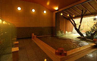 写真:源氏の湯 大浴場