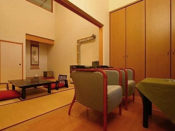 写真:【西館】(露天風呂付)和室8畳+洋室6畳+露天風呂